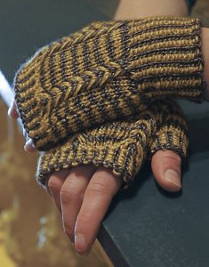 Sublime Lustrous Extrafine Merino DK Renwick Wristers Kit - Hats and Gloves