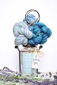 Jimmy Beans Wool Koigu Yarn Bouquets - Linen Stitch Scarf Bouquet - Blue/Teal