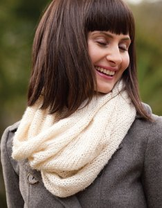 Be Sweet Extra Fine Mohair and Bamboo Snowmass Snood Kit - Scarf and Shawls
