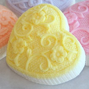 Alsatian Soaps & Bath Products Knitted Heart Soap - Lemon
