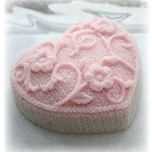 Alsatian Soaps & Bath Products Knitted Heart Soap - Peppermint