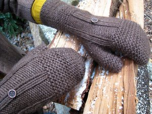 Blue Sky Alpacas Worsted Hand Dyes Borough Mitts Kit - Hats and Gloves