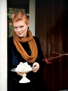 Scrumptious Lace Barley Sugar Cowl Kit - Scarf and Shawls