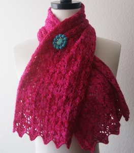 Baah Yarn Patterns - Baah Scalloped Scarf Pattern