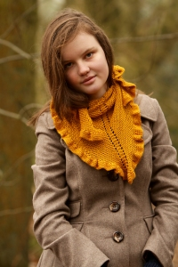 Fyberspates Scrumptious 4ply/Sport Childry Shawlette Kit - Scarf and Shawls