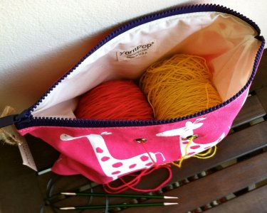 Top Shelf Totes Yarn Pop - Double - Pink Giraffe