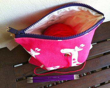 Top Shelf Totes Yarn Pop - Single - Pink Giraffe