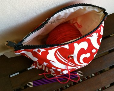 Top Shelf Totes Yarn Pop - Single - Lipstick Fleur