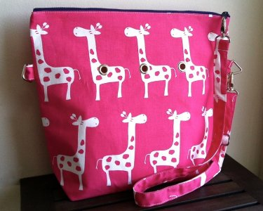 Top Shelf Totes Yarn Pop - Totable - Pink Giraffe