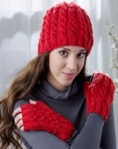 Debbie Macomber Cashmere Fleur de Lys Heart Chains Cap & Gloves Kit - Hats and Gloves
