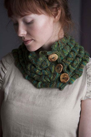 Madelinetosh Tosh Sock Ripple Cowl Kit - Scarf and Shawls