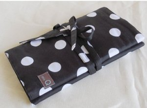 della Q Circular and Double Point Case (Style 1136-1) - 096 Black White Polka Dot (Limited Edition)