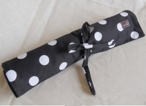 Della Q Straight Needle Roll (Style 161-1) - 096 Black White Polka Dot (Limited Edition)