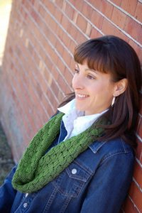 Knit One, Crochet Too Patterns - Acorn Cowl Pattern