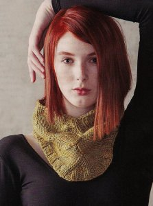 Madelinetosh Tosh Vintage Arc and Line Cowl Kit - Scarf and Shawls