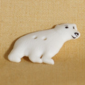 Muench Plastic Buttons - Polar Bear - White