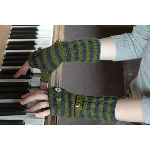 Dull Roar Patterns - Split Personality Mitts Pattern
