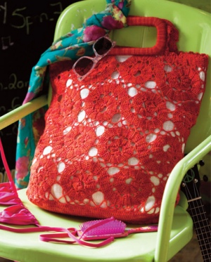 Lorna's Laces Shepherd Sock Bruges Beach Bag Kit - Crochet for Adults