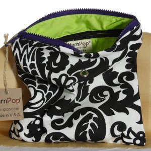 Top Shelf Totes Yarn Pop - Gadgety - Black & White Bloom