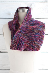 Manos Alegria Esquina Cowl Kit - Scarf and Shawls
