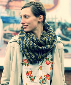 Hikoo Kenzie Pine Bough Cowl Kit - Scarf and Shawls
