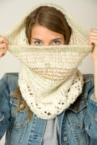 The Fibre Company Tundra and Be Sweet Magic Ball Sugarplum Cowl Kit - Scarf and Shawls