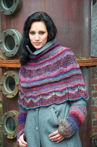 Noro Cychoin Iced Blackberry Cape & Wristlet Kit - Women's Accessories