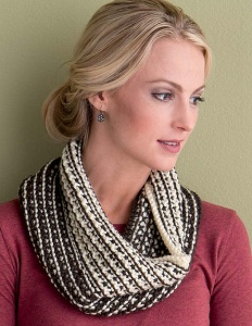 Cascade Pacific Chunky Slip-Switch Neck Gaiter Kit - Scarf and Shawls