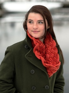 Swans Islans Worsted Entwined Cowl Kit - Scarf and Shawls
