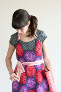 Zitron Patina Hexagon Apron Kit - Home Accessories