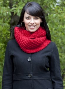 Cascade Pacific Chunky Daisy Cowl Kit - Scarf and Shawls