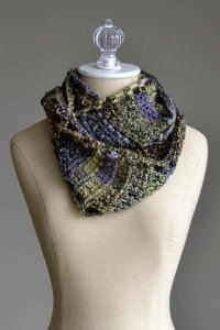 Universal Yarns Classic Shades Frenzy Rambling Crochet Cowl Kit - Crochet for Adults