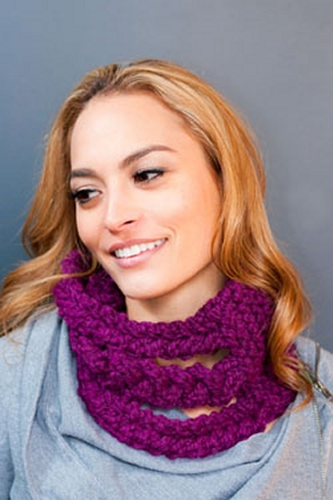 Plymouth Encore Mega Braided Cable Cowl Kit - Scarf and Shawls