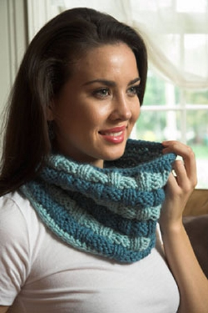 Plymouth Baby Alpaca Grande Basketweave Cowl Kit - Scarf and Shawls