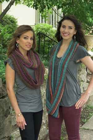 Plymouth Gina Elongated Stitch Cowl Kit - Scarf and Shawls