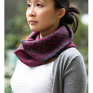 SweetGeorgia Patterns - Bloodwood Cowl