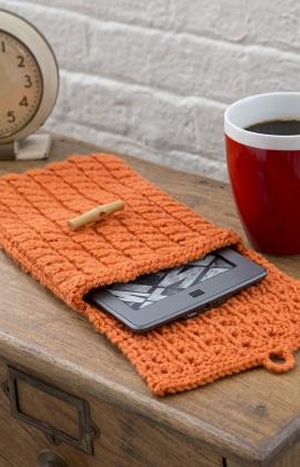 Red Heart With Love Cabled e-Reader Cozy Kit - Home Accessories