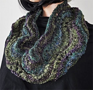 Crystal Palace Yarns Gold Rush Fan Stitch Cowl Kit - Scarf and Shawls
