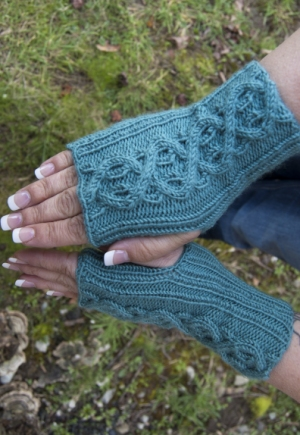 Cascade Yarns Elysian Jackie's Mitts Kit - Hats and Gloves