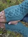 Cascade Yarns Elysian Jackie's Mitts Kit