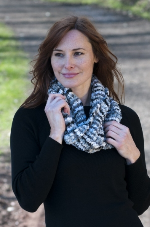 Cascade Yarns Pluscious Yours Infinity Scarf  Kit - Scarf and Shawls