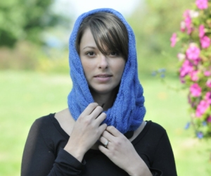 Cascade Yarns Pure Alpaca Reversible Cable Moebius Kit - Scarf and Shawls