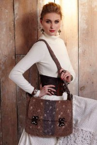 Brown Sheep Lambs Pride Worsted Felted Messenger Bag Kit - Crochet for Home