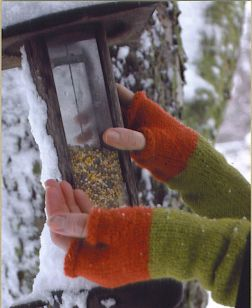 Mac & Me Patterns - 070 Firm Fitting Fingerless Gloves Pattern