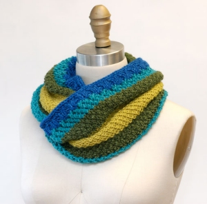 Hikoo Yarns Simplinatural Shoreline Moebius Cowl Kit - Scarf and Shawls