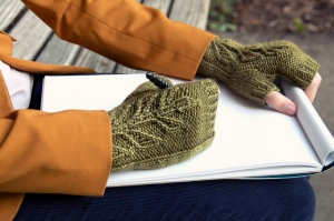 Madelinetosh Tosh Dk Verdure Mitts Kit - Hats and Gloves