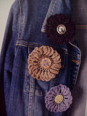 Plymouth Gold Rush Gerbera Flower Pins Kit - Crochet for Adults