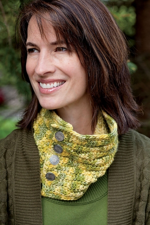 Manos Del Uruguay Maxima Riding The Waves Neck Warmer Kit - Crochet for Adults