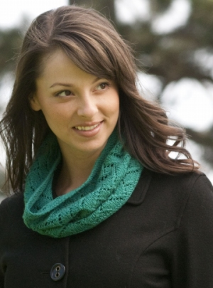 Cascade Heritage Trellis Lace Cowl Kit - Scarf and Shawls