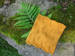 Mrs. Crosby Carpet Bag Polypodium Vulgare Cowl Kit - Scarf and Shawls